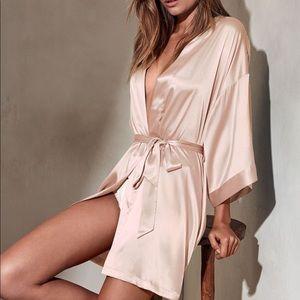 NWT Victoria secret blush robe